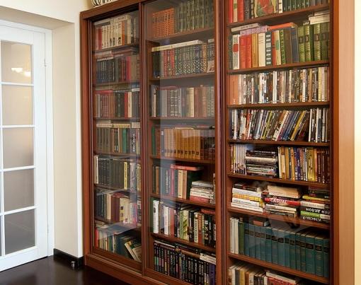 раздвижные книжные шкафы и библиотеки сторона при